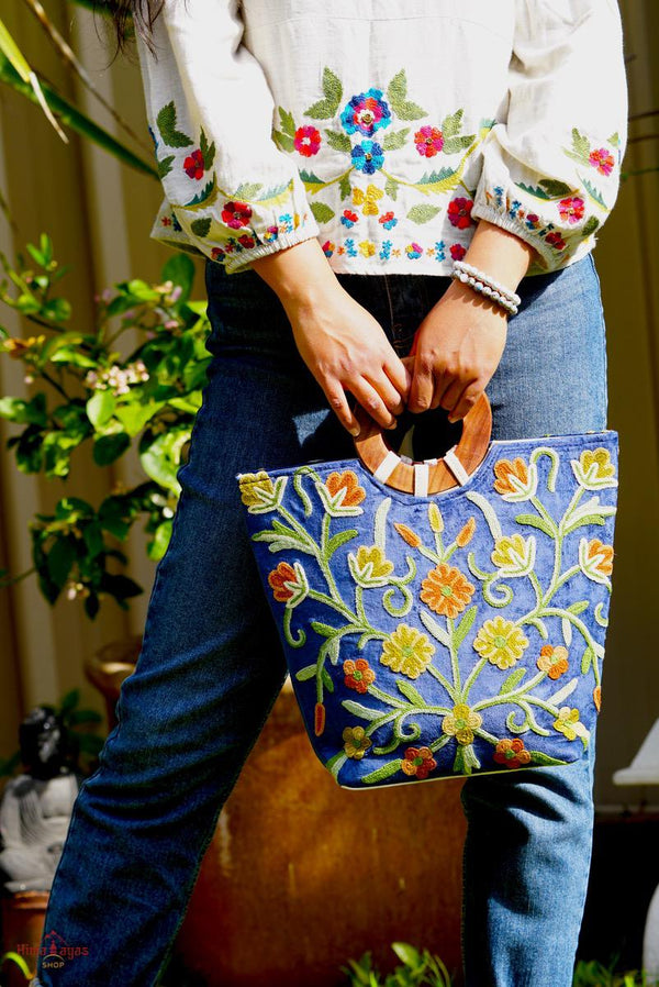 Beautiful handmade women's tote bag with Kashmiri embroidery design for chic style.