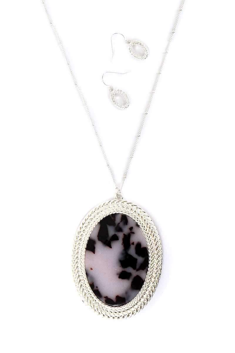 Acetate Oval Shape Pendant Necklace