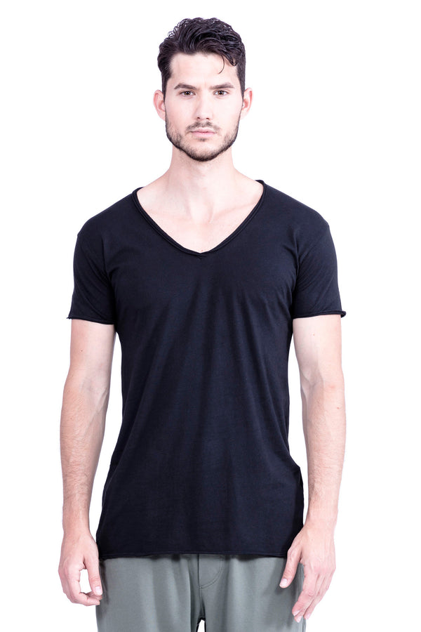 V Neck - Tshirt - Cut Off . Colour Black - basic - Ravens View - 2