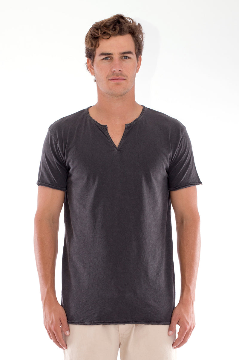 Eros Tee - Cut Off - Open Neck - Tshirt - Colour Anthracite and Raven shorts - Colour Sand 2