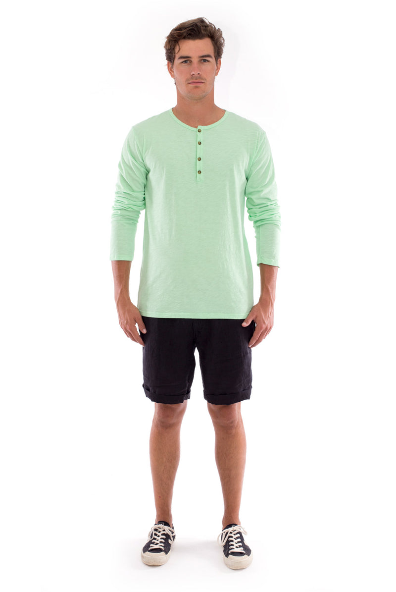 Dylan tee - Tshirt - Long Sleeve - Buttoned Neck - Colour Mint and Capri Shorts - Coloue Black 1