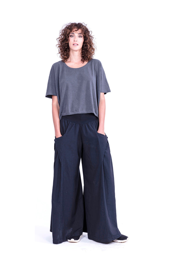 Zen - Wide Leg Pants - Colour Black and square Top - Colour Antracite - RV by Elisa F 1