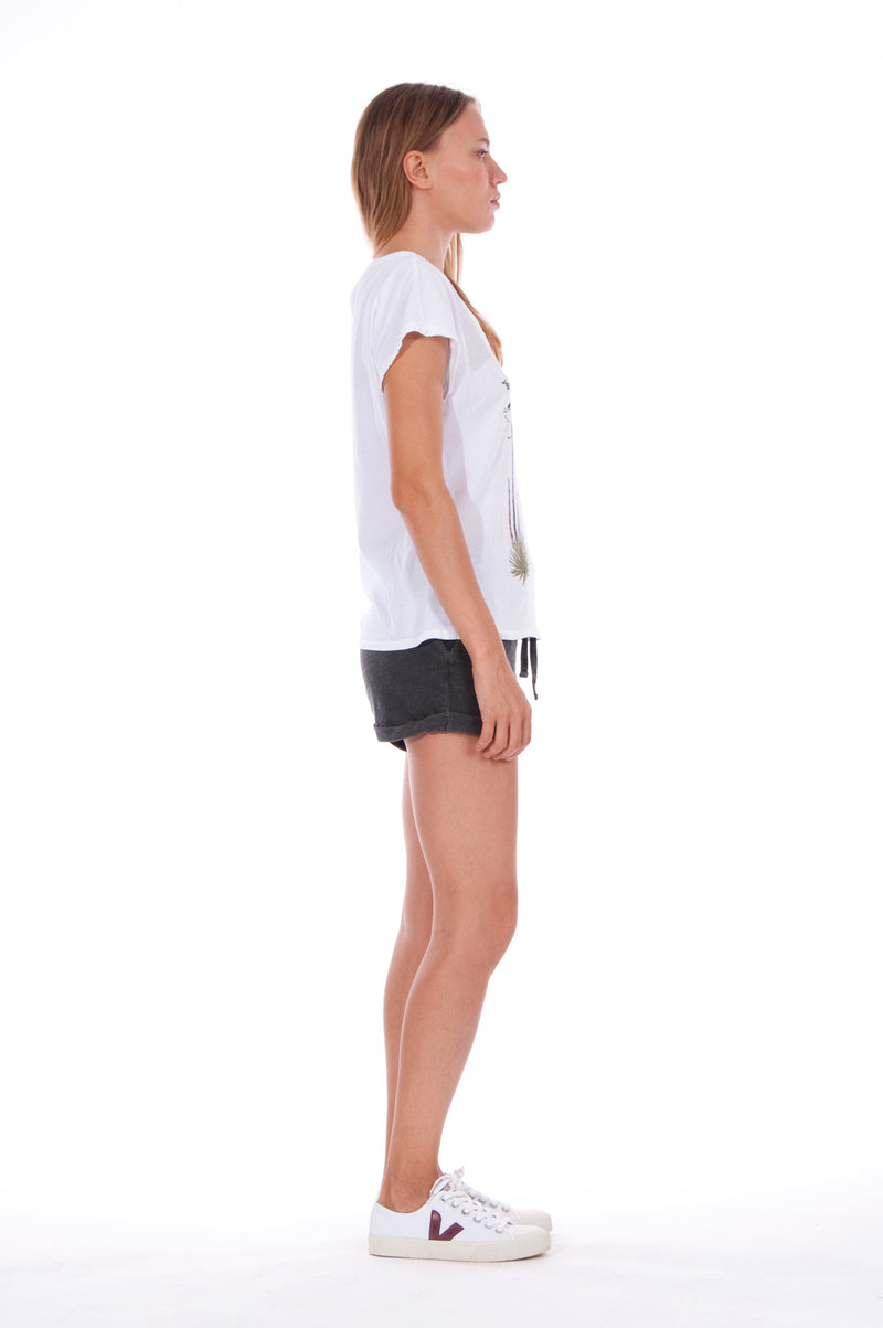 Island Mood - V Neck - Loose Fit - Top - Colour White and sunset mini shorts - Colour Anthracite 3