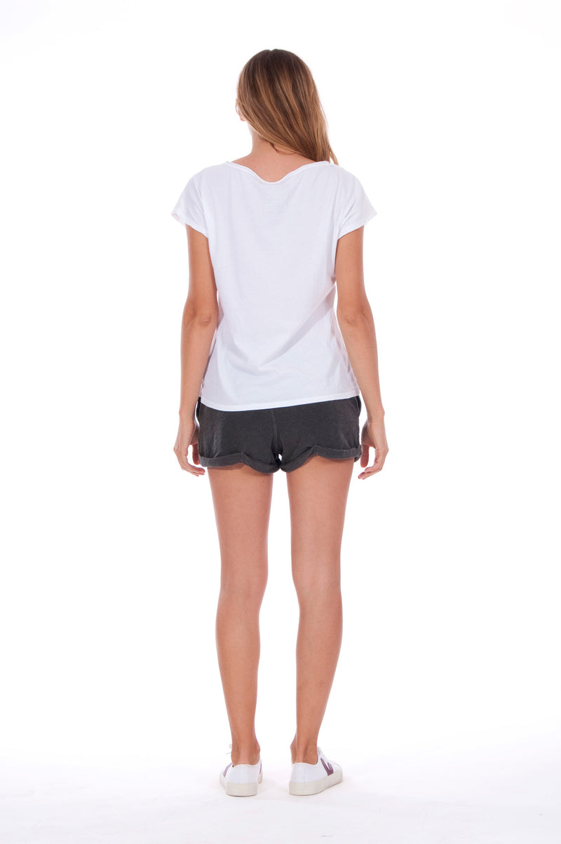 Island Mood - V Neck - Loose Fit - Top - Colour White and sunset mini shorts - Colour Anthracite 4