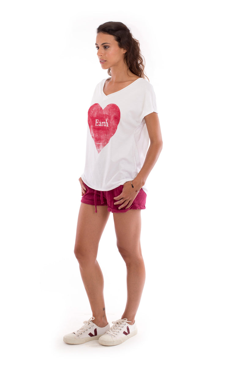 Love earth - V Neck - Loose Fit - Top - Colour White and sunset mini shorts - Colour Garnet -3