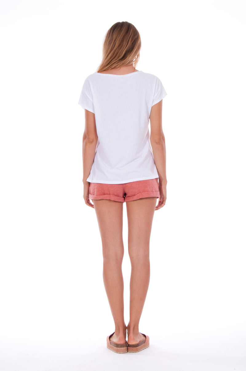 Natural Rebel - V Neck - Loose Fit - Top - Colour White and sunset mini shorts - Colour Clay - 4