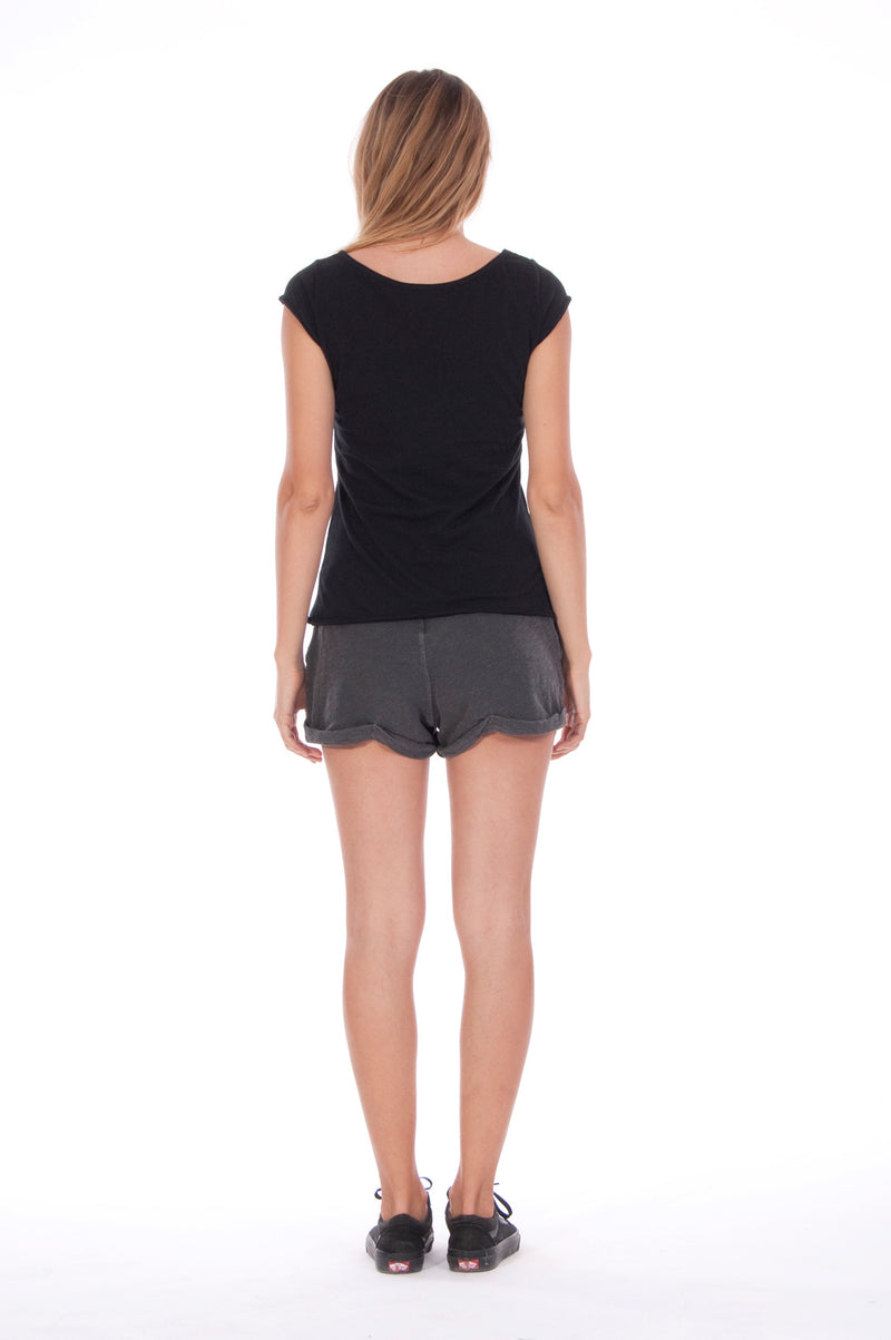 Moon - Round Neck - Cut Off - Top - Colour Black and sunset mini shorts - Colour Anthracite 4