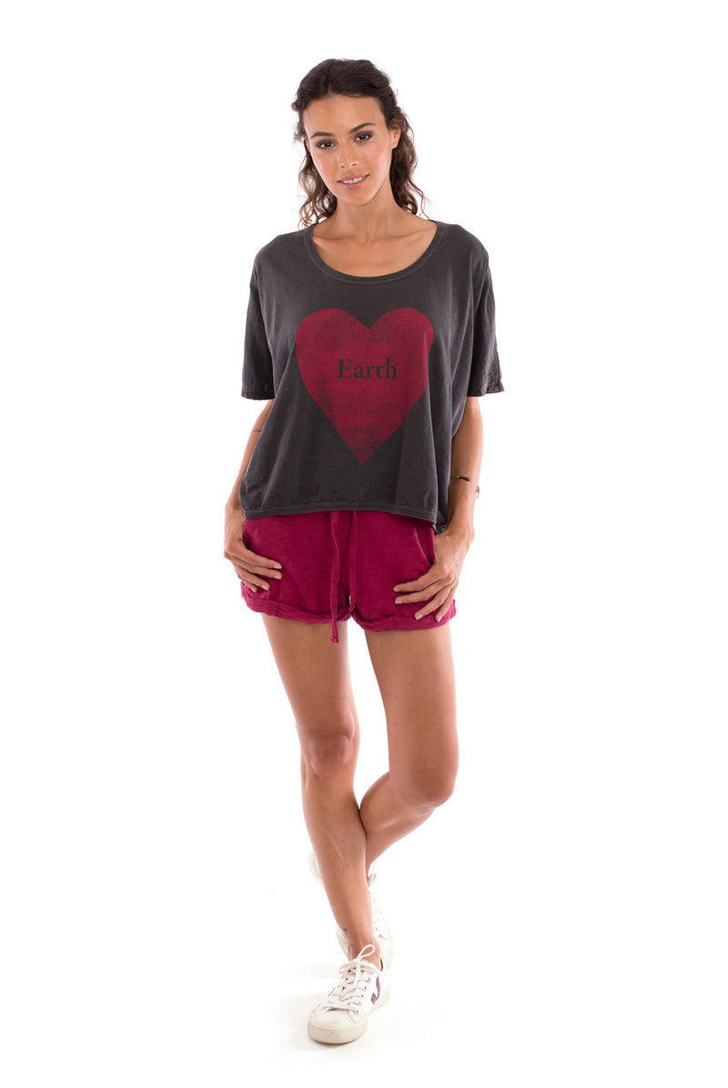 Love Earth - Round Neck - Loose Fit - Top - Colour Anthracite and sunset mini shorts - Colour Garnet - 1