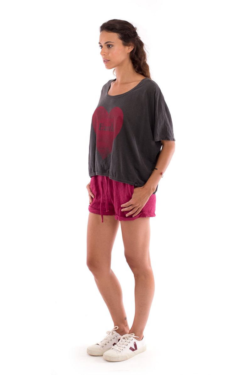 Love Earth - Round Neck - Loose Fit - Top - Colour Anthracite and sunset mini shorts - Colour Garnet - 3