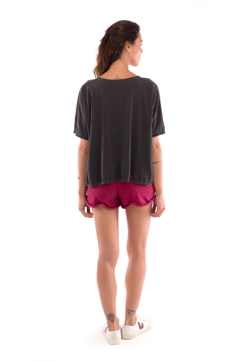 Love Earth - Round Neck - Loose Fit - Top - Colour Anthracite and sunset mini shorts - Colour Garnet - 4