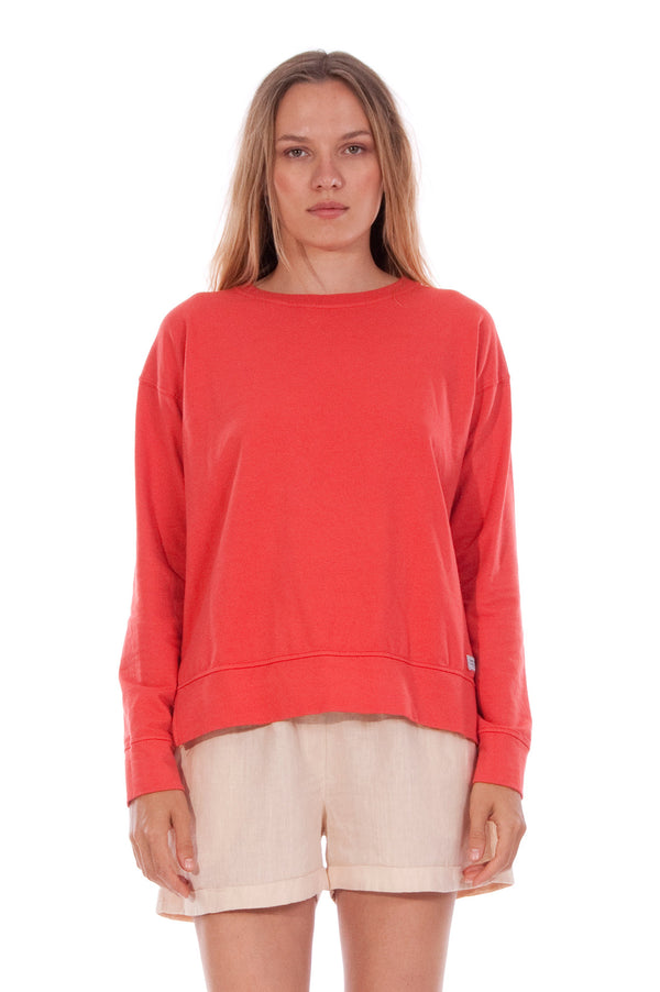 Mia - Sweatshirt - Colour Red and Creta Shorts - Colour Sand 2