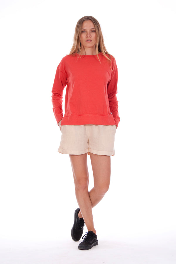 Mia - Sweatshirt - Colour Red and Creta Shorts - Colour Sand 1