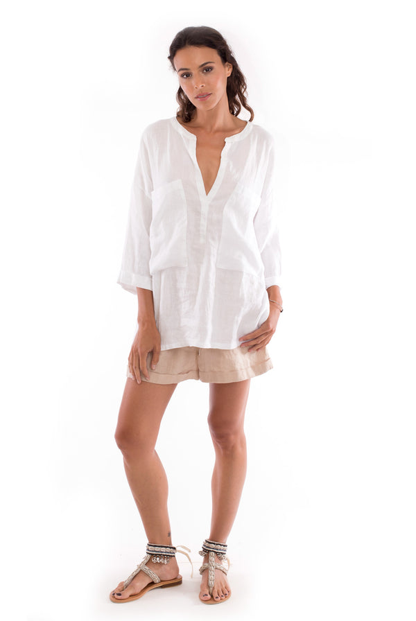 Ebba - Linen Shirt - Colour white and Creta shorts Colour sand-1