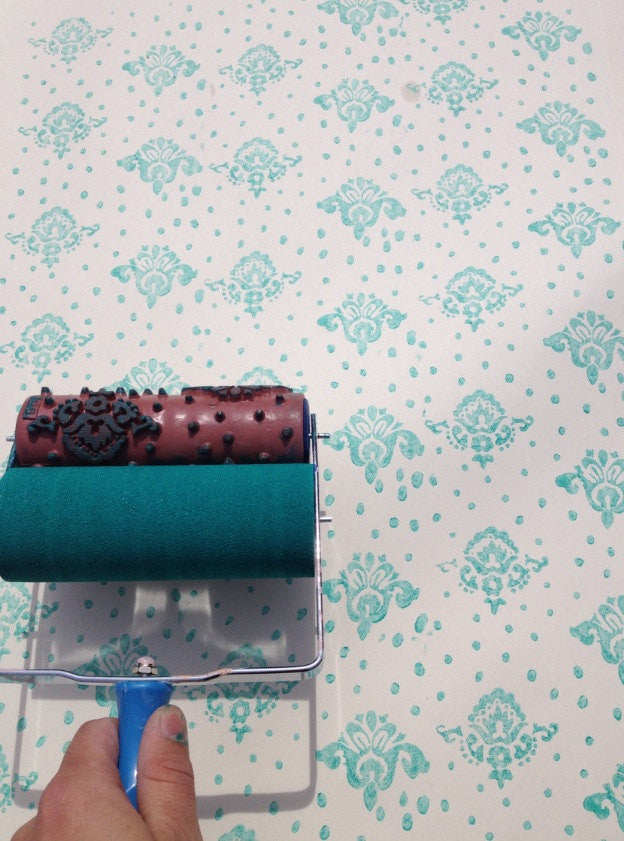 Petite Damask Patterned Paint Roller and Applicator Set