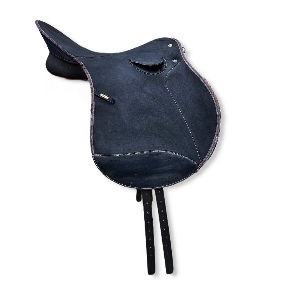 "17"" Wintec Contour English Saddle"