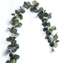 Load image into Gallery viewer, France Eucalyptus Garland