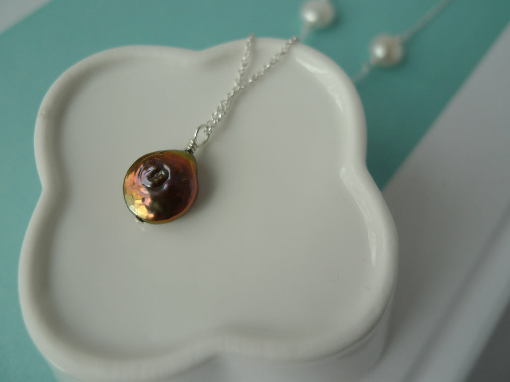 Bronze Pearl Pendant Necklace