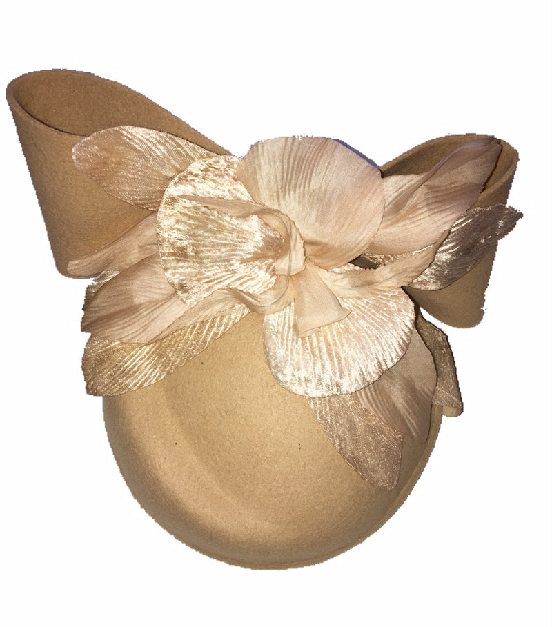 The Fillies Collection Beige Felt Hat with a Bow and Beige Flowers