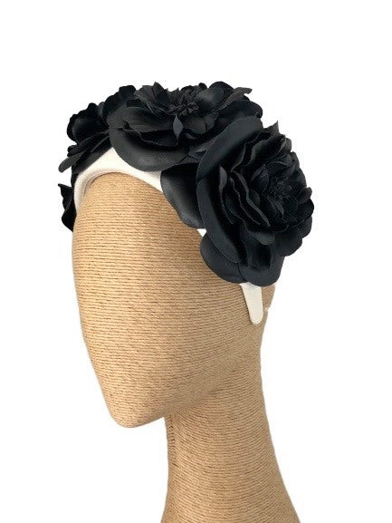 Max Alexander Rosetta headpiece in Cream & Black