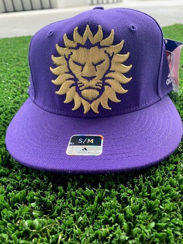 S/M adidas Lion Flexfit Hat- Purple