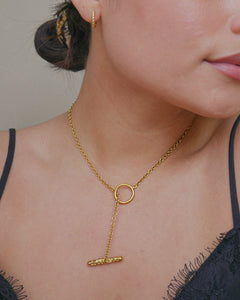 gold plated brass minimal lariat style chain necklace with hammered gold metal bar