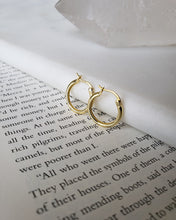 Load image into Gallery viewer, 18k gold plated high quality sterling silver basic hoop earrings