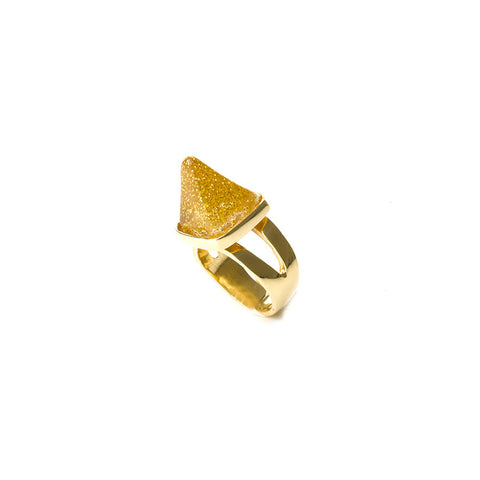 Mini honey sparkle pyramid ring