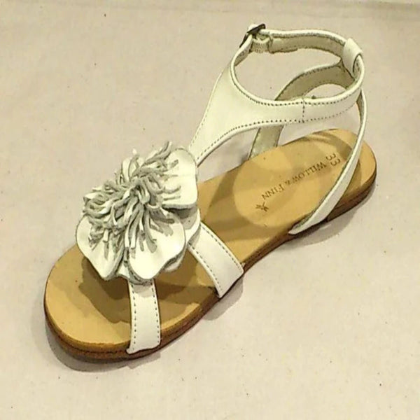 Willow and Finn - Girls White Flower Sandal | Dress Shoes | Bon Bon Tresor
