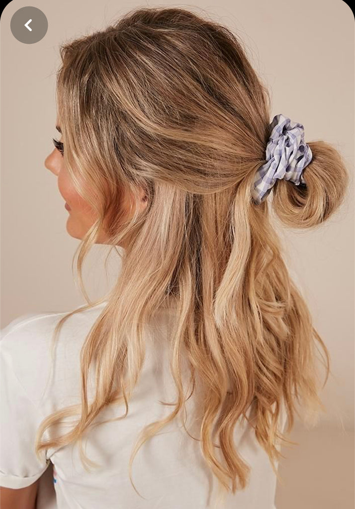 6 Cute Ways to Wear a Scrunchie