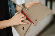 Load image into Gallery viewer, NASHE - Drop-Bag Clutch / Beige