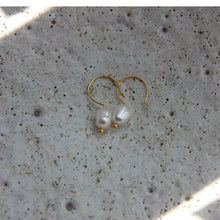 Load image into Gallery viewer, EVA JEWELLERY - Pearl On a Hook Earrings