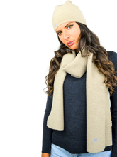 Load image into Gallery viewer, FORTUNALE - DEGA Wool Hat & Scarf Set