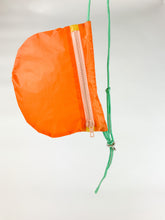 Load image into Gallery viewer, TheVIVgoods - U.Bag x Paraglider Edition / orange - green