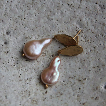 Load image into Gallery viewer, EVA JEWELLERY - Moon Drop With Large Pearl Pale Pink