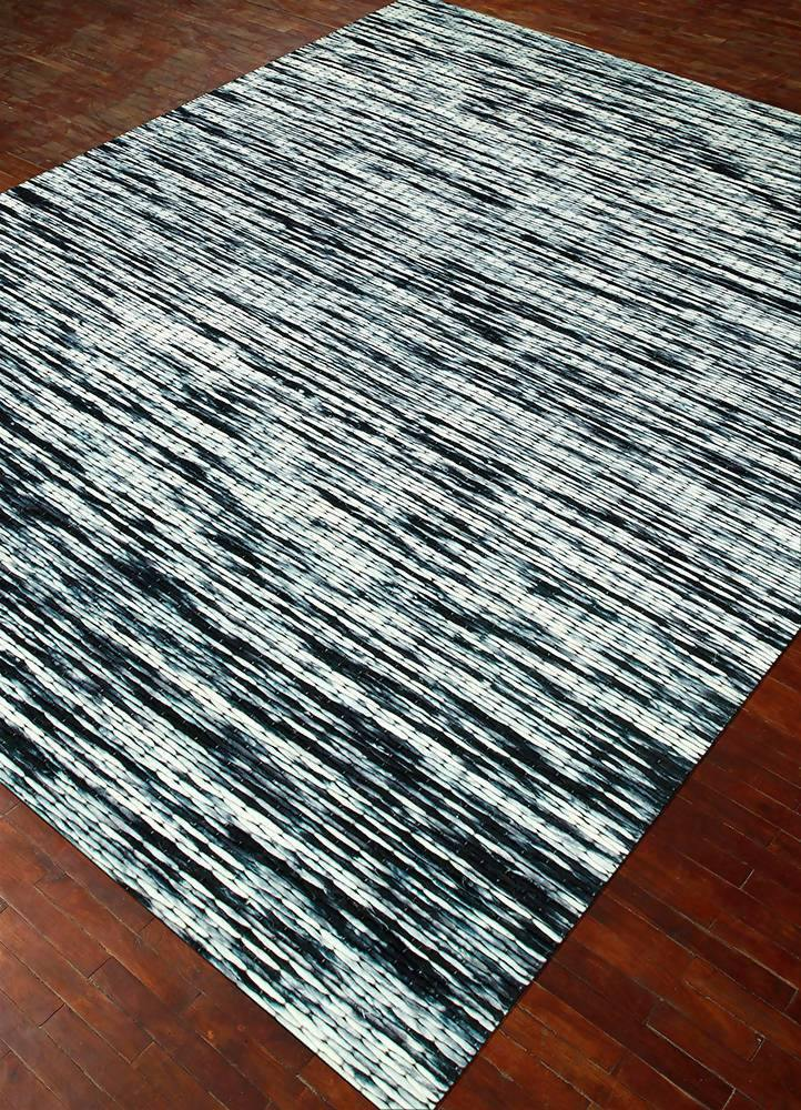 Pretty Rug in Abstract Pattern - WoodenTwist