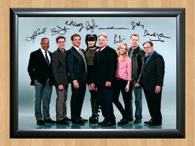 Arrow Full Cast Signed Autograph Signature A4 Poster Photo POSTER ONLY