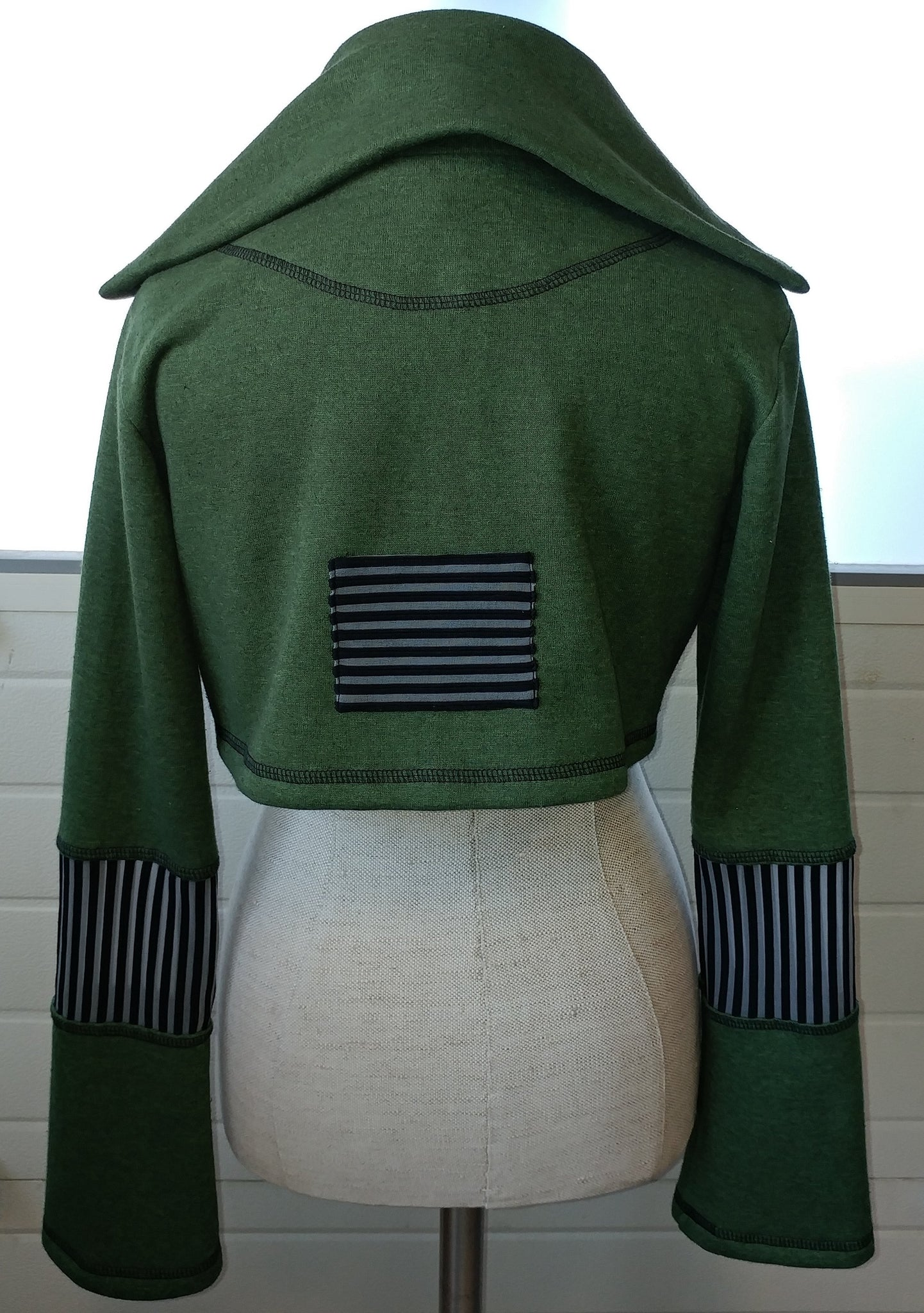 Metropolitan Compact Jacket  I Forest Green