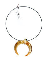 Load image into Gallery viewer, Horn pendant choker