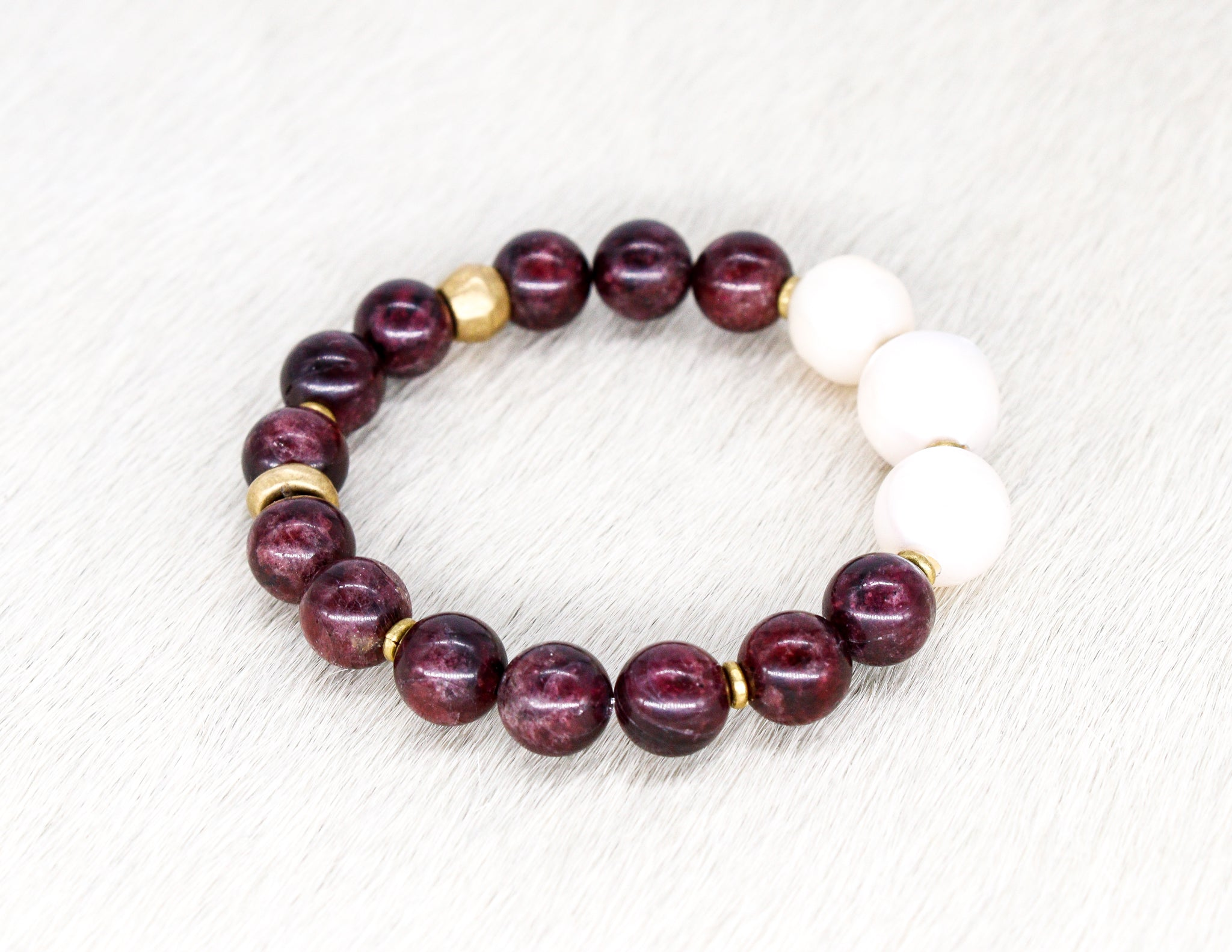 Garnet with pearl bracelet