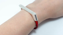 Load image into Gallery viewer, Sliver Bar Leather Bracelet