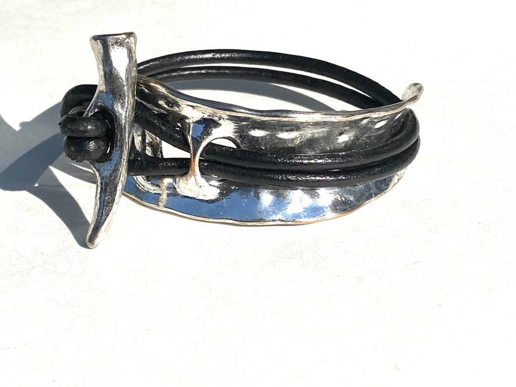 Silver Hammered Cuff w/Horn Toggle Leather Bracelet