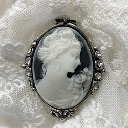 Cameo Brooch - JaneAusten.co.uk