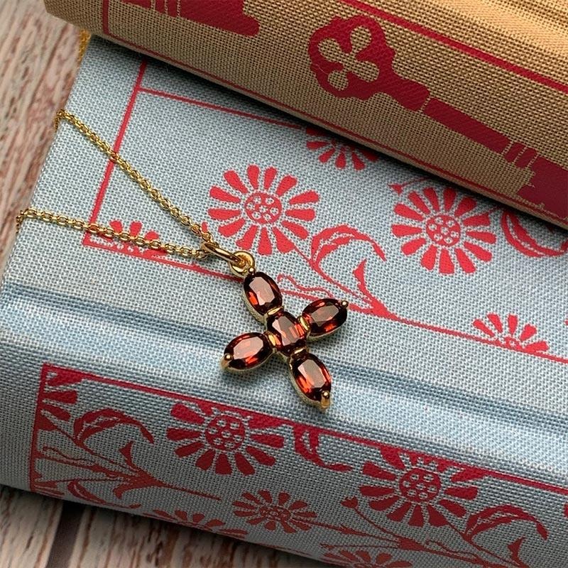 Exclusive Elizabeth Bennet Inspired Garnet Cross Necklace - JaneAusten.co.uk