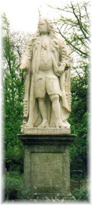 Statue of Sir Hans Sloane in the Chelsea Physic Garden. Photo courtesy of C. Tancin.