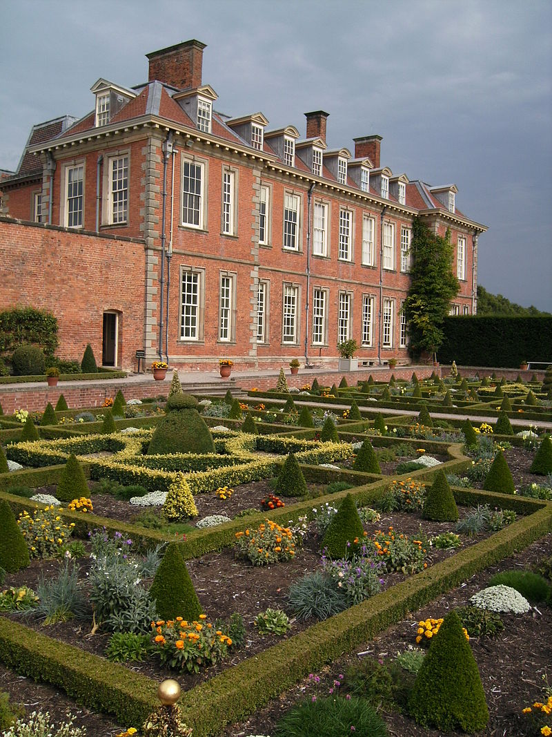 """Hanbury Hall parterre 01"" by Sjwells53 - Own work. Licensed under CC BY-SA 3.0 via Wikimedia Commons - https://commons.wikimedia.org/wiki/File:Hanbury_Hall_parterre_01.JPG#/media/File:Hanbury_Hall_parterre_01.JPG"