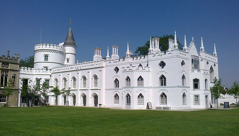 800px-Strawberry_Hill_House_from_garden_in_2012_after_restoration