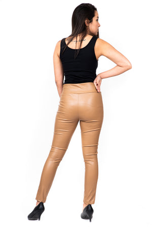 Le pantalon faux cuir taille élastique / faux leather pull on pants