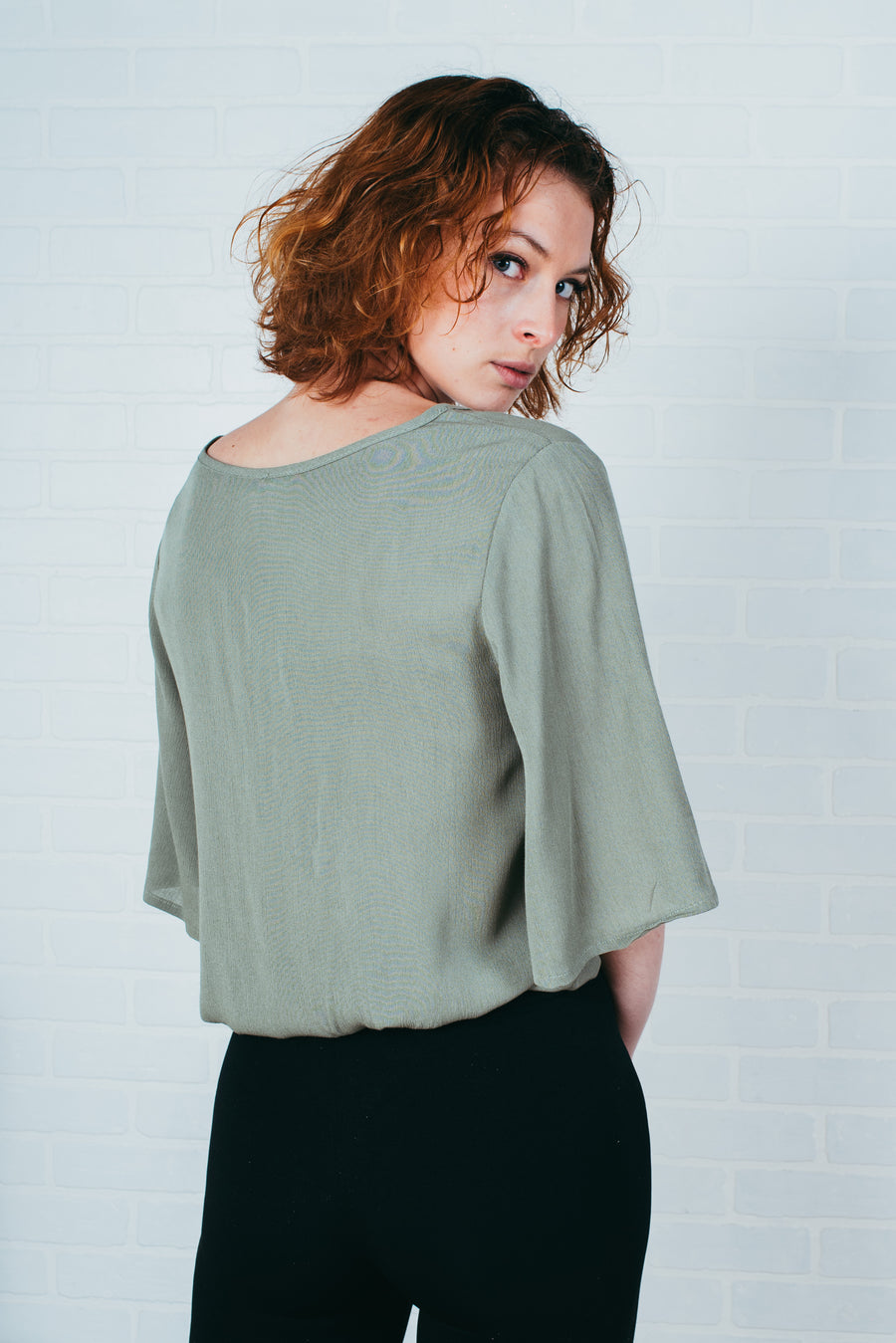 Le tricot armé col baveux/ Armed knit sweater with floppy collar