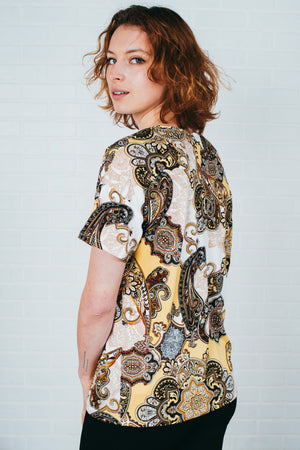 Le tricot doux col v / Soft knit sweater v-neck