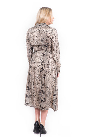 La robe trois-quarts à motif/ Three-quarter-length dress with pattern